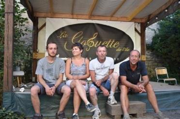 Une partie de l'équipe de la Goguette